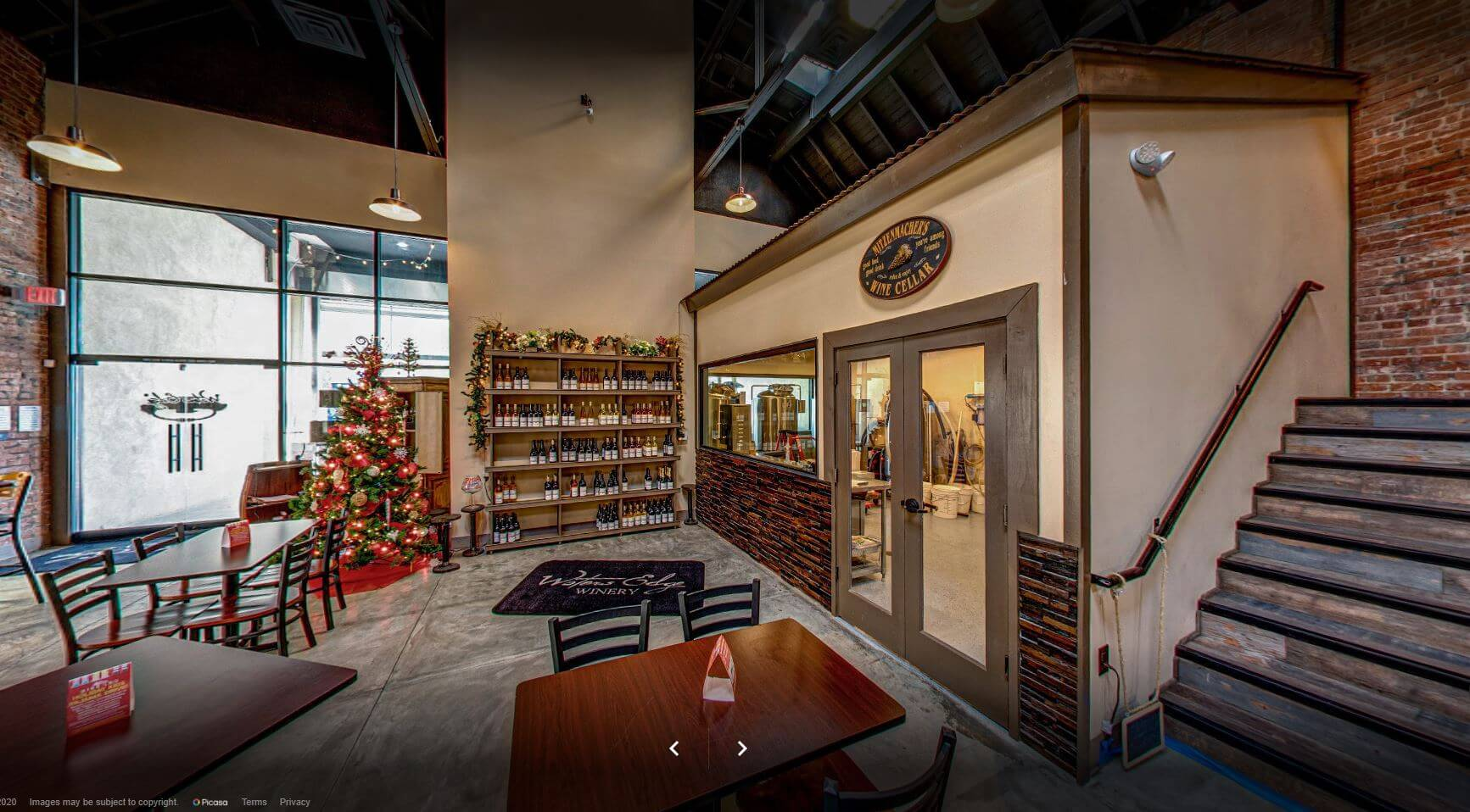 Shoreline Cellars decorated for Christmas
